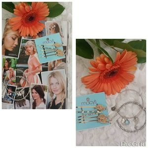 NWT🎀Hairpins and  Bracelet bundle