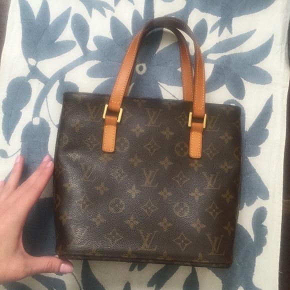 3bc16d94fbbc Louis Vuitton Handbags - Authentic LOUIS VUITTON Monogram Vavin Pm Bag