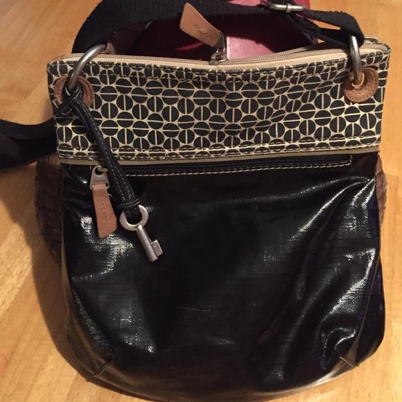 aa7bdf5659f7 Fossil Handbags - Black fossil Key-Per Crossbody