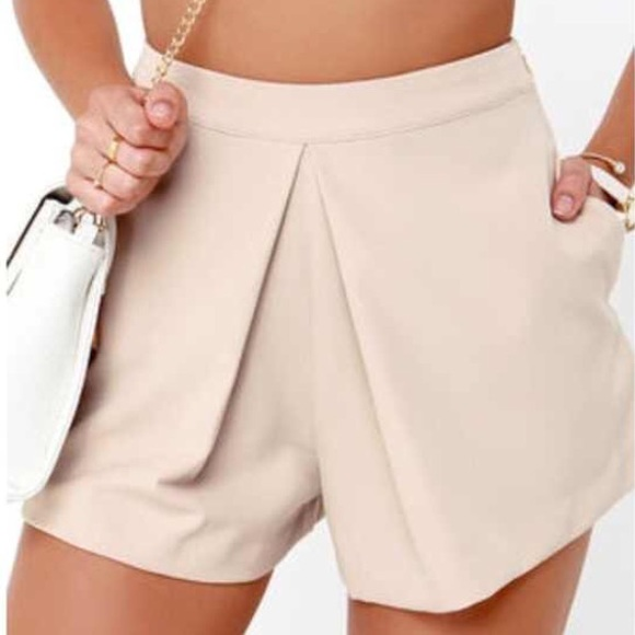 80% off Pants - Lulu's beige/nude/blush high waisted shorts from ...