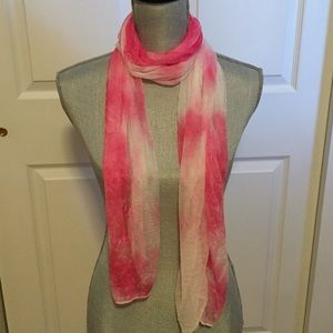 🎀Lovely Ombré Scarf in Shades of Pink-NWT🎀