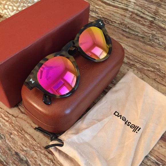5e45a7adaa0 Illesteva Accessories - Illesteva Leonard sunglasses with pink mirror