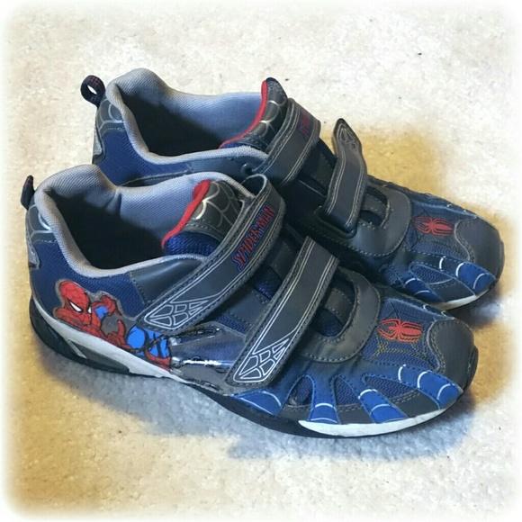 fa0ddf04330b2 Boy's Spiderman Sneakers