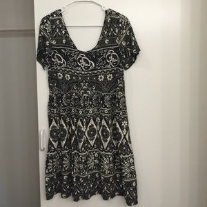 cute babydoll Billabong dress with a lace up back!