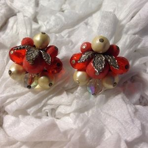 Vintage Laguna Cluster Clip On Earrings