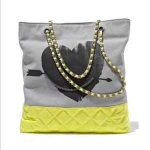 Vera Wang Handbags - Vera Wang Bag