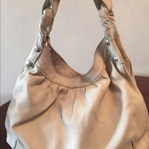 Lucky Brand white leather shoulder bag.
