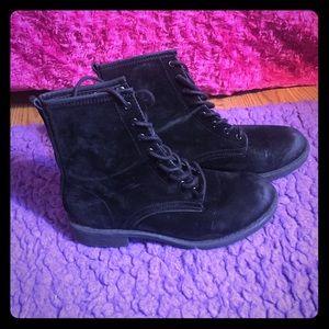 Black Vintage Combat Boots !