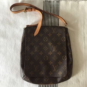 Authentic Louis Vuitton Monogram Musette Satchel