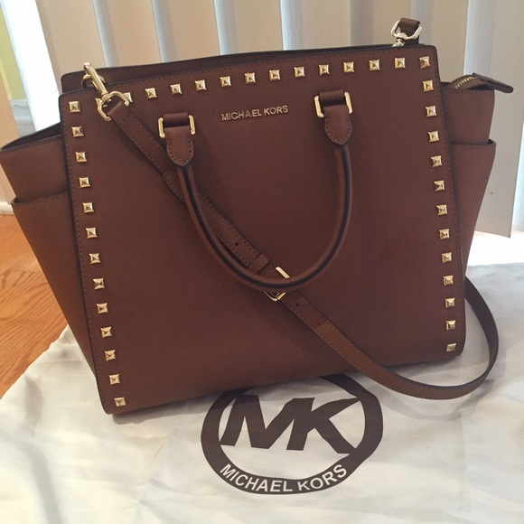 3dd7e92ec0ec FLASH SALE Michael Kors Large Studded Selma Bag. M 56083ca42fd0b716af0021c4