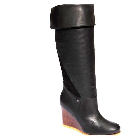 bd9da083240 UGG black Size 9 Ravenna wedge boot