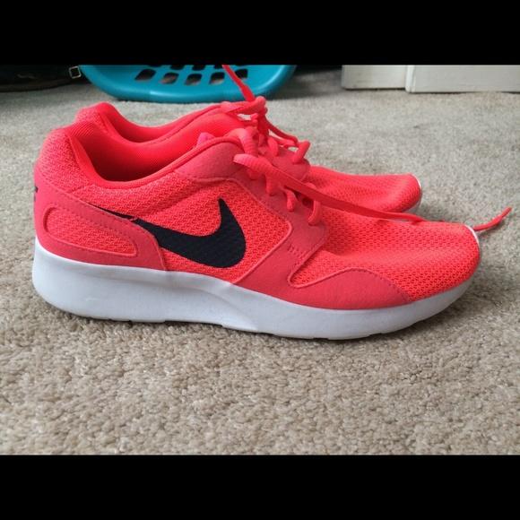 wholesale dealer 2807a f5550 Women s Nike Kaishi Bright Neon Pink .