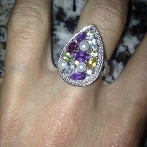 Multi stone jeweled ring