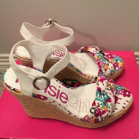 a713ddd3b556 New kensie wedge beach sandals size 7