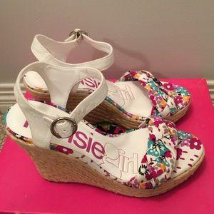 New kensie wedge beach sandals size 7