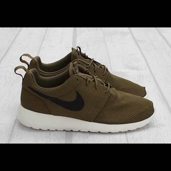 olive green nike roshe for women