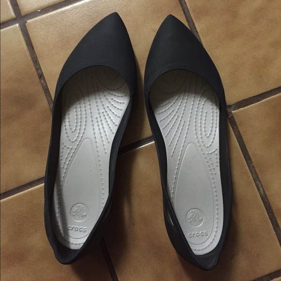 b600ceedb4db crocs Shoes - Crocs Rio Flats Size 10 Black