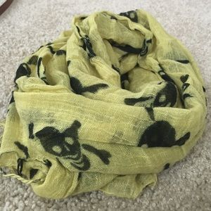 Accessories - Black and yellow scull scarf