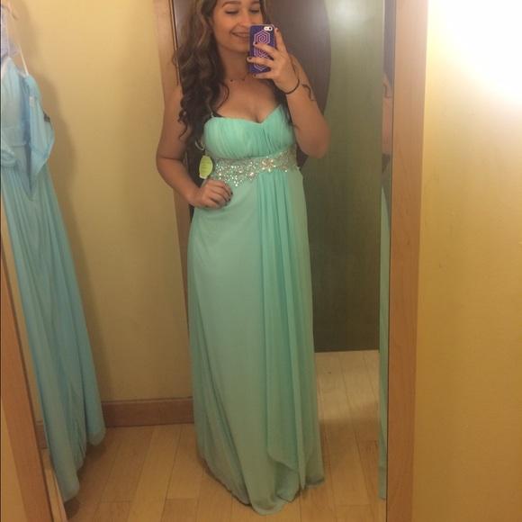 WINDSOR Dresses | Mint Green Long Prom Dress | Poshmark