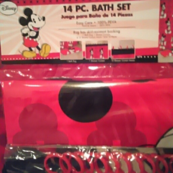 61% off Disney Accessories - 14 piece Mickey Mouse bath set from ...