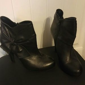 BLACK SIZE 9 GIANNI BINI ANKLE BOOT