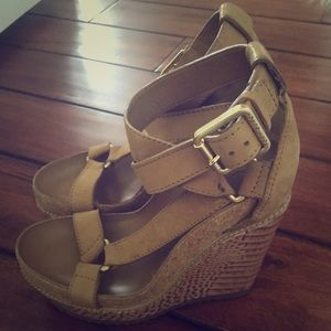 Tory burch 5.5 wedges