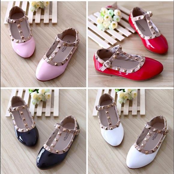 Cute Little Girls Dress Shoes