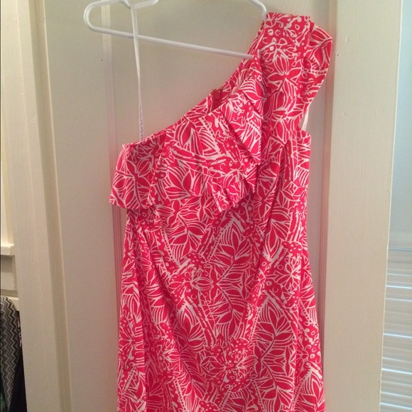 4cadee47ba5437 Lilly Pulitzer Dresses & Skirts - Lilly Pulitzer giraffe print size 0