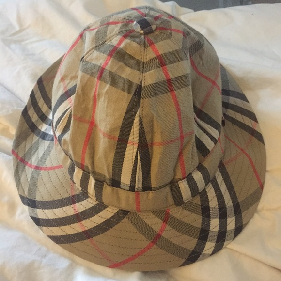 af500cc3947 Burberry Accessories - Burberry summer hat