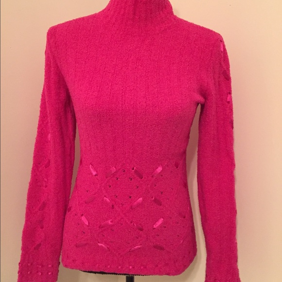 Moda International - 🎀 Striking fuschia pink sweater 🎀 from ...