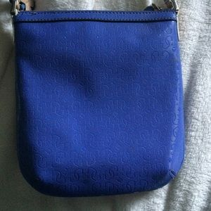 1b7e30ce16 Guess Bags - Side bag from Guess. It s in great condition.