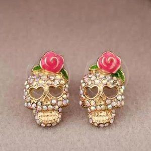 Jewelry - New Skull Earrings