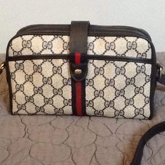 1bef5e90d51 Gucci Handbags - Vintage Gucci Small Crossbody