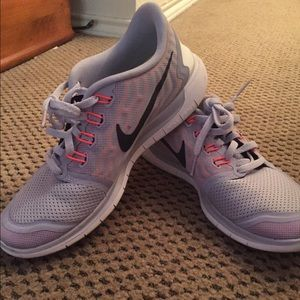 30% off Nike Shoes - Nike free barefoot ride 5.0 from Jessica's closet on  Poshmark