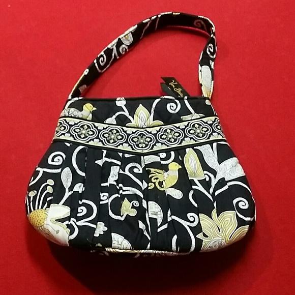 ac1b991d71 Vera Bradley adorable small purse. Great Deal! M 560a9da58e1c618aa201c1a5.  Other Bags ...