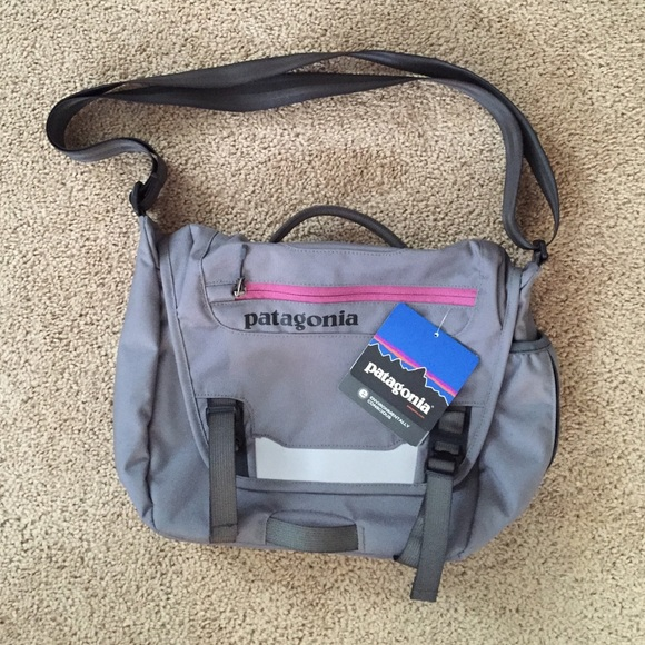51ccff1e31dc Patagonia Mini Mass Messenger Bag