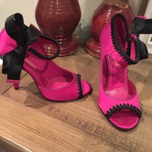 pink betsey johnson bow heels on Poshmark