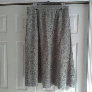 Orvis Dresses & Skirts - Orvis black and white speckled skirt