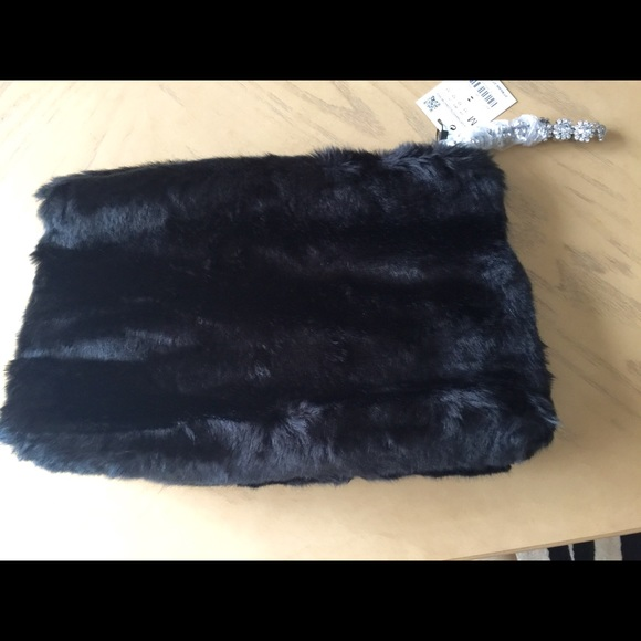 ca58ca94ff Zara Black Faux Fur Clutch Bag