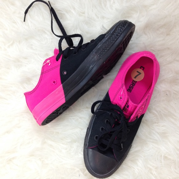 25c71dd14677 Hot Pink and Black Converse
