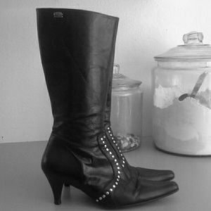 Black leather heels knee boots buffalo London 8