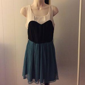 Cute casual dress sz S
