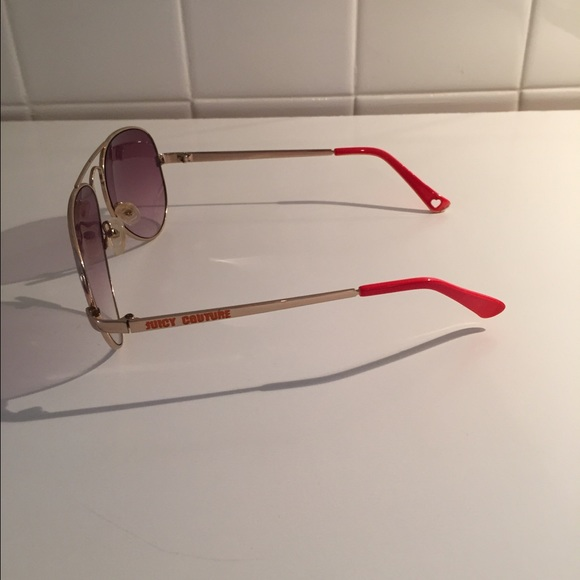 Juicy Couture Accessories - Juicy Couture Aviators
