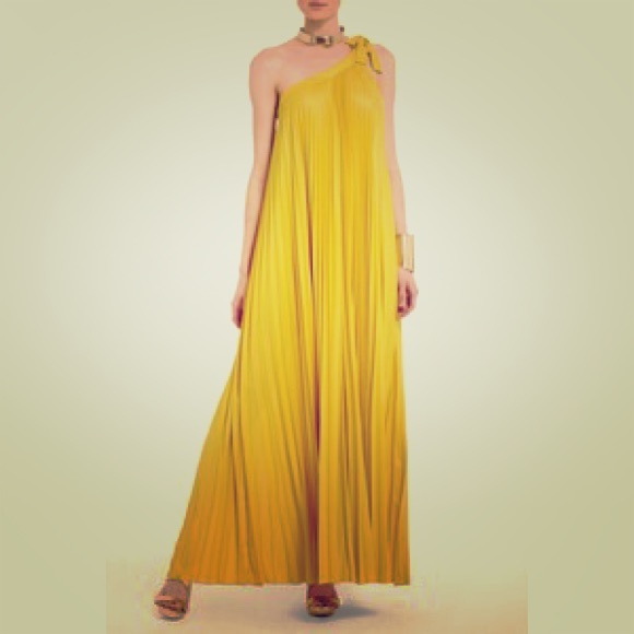 7770247b5c BCBGMaxAzria Dresses   Skirts - BCBG Abee Maxi pleated dress