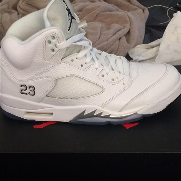 sale retailer f5ad4 7ac80 Jordan Shoes - 2015 Air Jordan 5 metallic Silver size 11.5