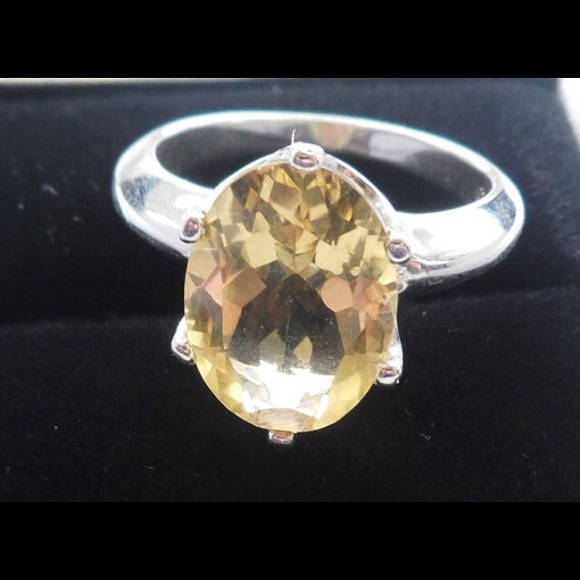 Jewelry - 💕🌼 Sterling and Citrine Ring 🌼💕