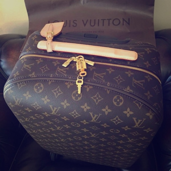c52e09610 Louis Vuitton Handbags - LOUIS VUITTON ZEPHYR 55 TROLLEY TRAVEL LUGGAGE