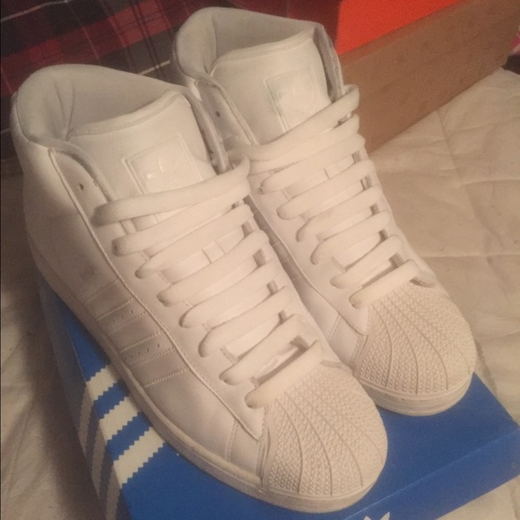 Adidas Shoes - Adidas high top shell toes 5133678df