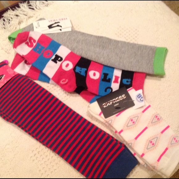 47d90b37f ALL NEW‼️4 pairs of color socks  2 knee   2 calf