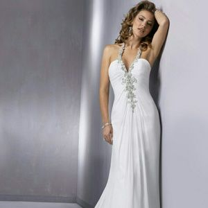 Gorgeous Maggie Soterro wedding dress